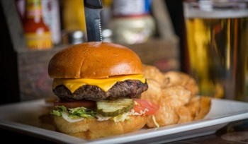 Cold Beers %26 Cheeseburgers opens Ahwatukee location